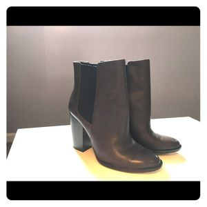 Banana Republic brown ankle booties